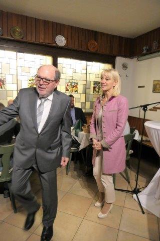 Ludwig Gunkel begruesst Staatssekretaerin Carolina Trautner